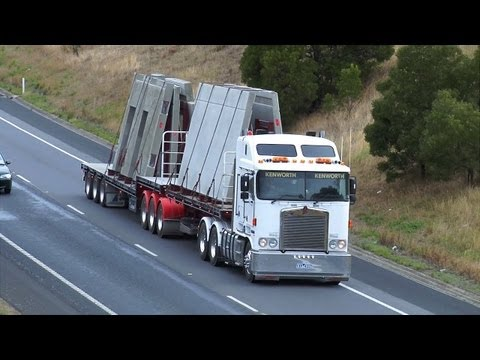 Australian Trucks : Trucking on the Hume Highway Part 9
