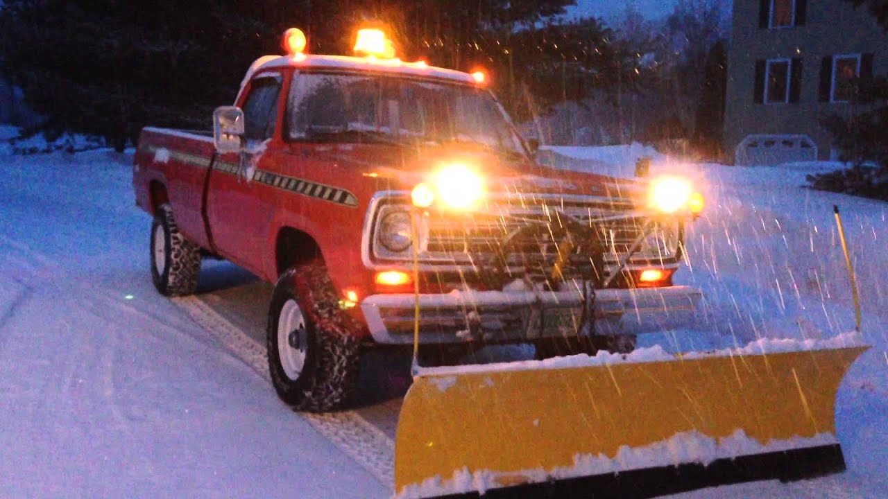 Dodge Power Wagon 1977 >> 1973 Dodge Sno-Fiter Meyers Plow Old School Lights - YouTube