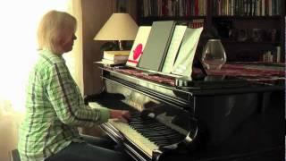 "Piano-jazz/blues: ""Buddy"" jingle theme from iMovie"