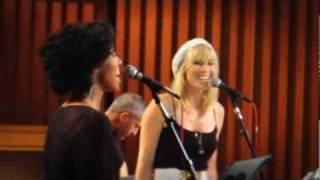 Natasha Bedingfield - Put Your Arms Around Me