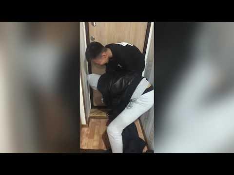 Развел девчонку на секс в подъезде фото