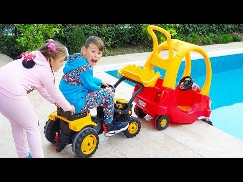 ALİ KARDEŞİNİ KURTARDI Kid Helps Little Sister! Rescue Baby Cab Riding Toy Car