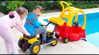 ALİ KARDEŞİNİ KURTARDI Kid Comes to Help Little Sister! Rescue Baby Cab Riding Toy Car