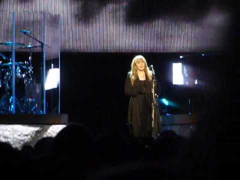 "Stevie Nicks ""Gypsy"" (24k Gold Tour Live in Memphis, TN on 03-08-2017 at FedEx Forum)"