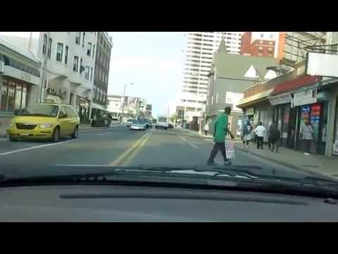 USA: Pacific Avenue in Atlantic City 2014