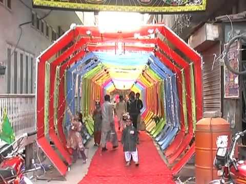 12 rabi ul awal in faisalabad 2011 (Sohna Aya te Saj gaye galian Bazar ).flv