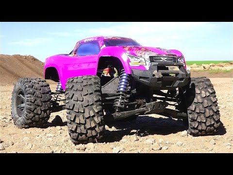 RC ADVENTURES - PURPLE TRAXXAS XMAXX gets HiGH! Bashing a New PiTDAWG HYDRO BODY