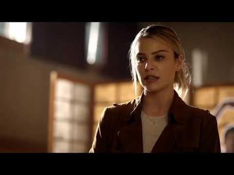 Ревности детектива Хлои Декер, что она себе там придумала? из сериала Люцифер