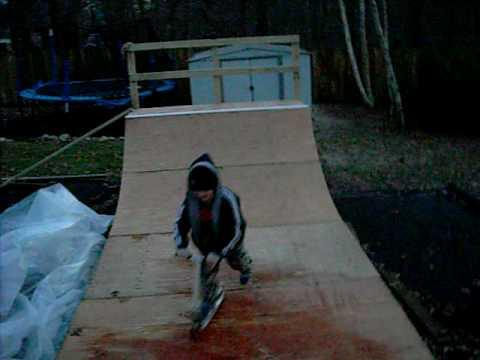 Halfpipe Skateboarding