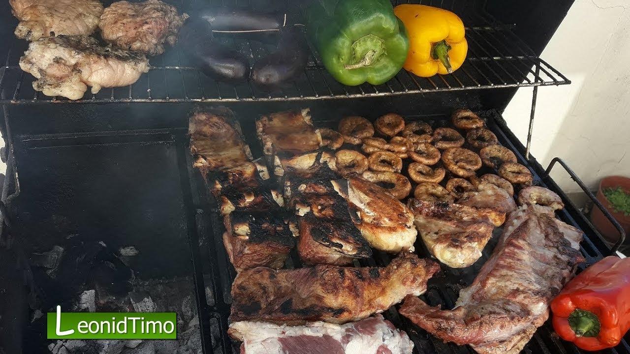 Отмечаем День друзей. Готовим мясо на мангале в Аргентине