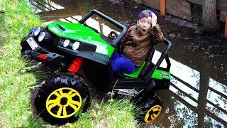Senya Unpacks and Assembles a cool ATV!