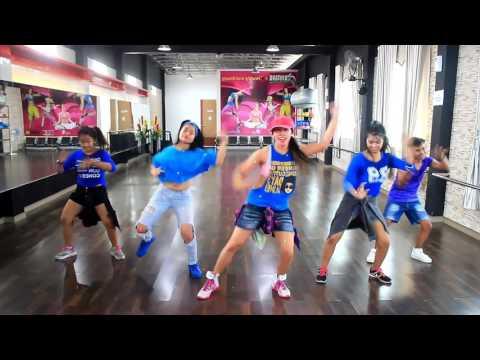 "Zumba Dangdut ""Masa Bodo By Vivil /Choreo By Chenci n The Elfragazza At BFS Studio Sangatta Kaltim"