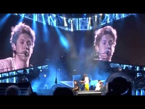 One Direction - Little Things - OTRA 8-2-15 Sydney HD