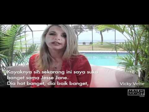 US Pornstar Vicky Vette Interview!