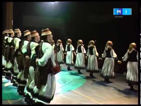 Ansamblul Fluieras condus de Fratii Stefanet   Purtata si Dansul din Oas