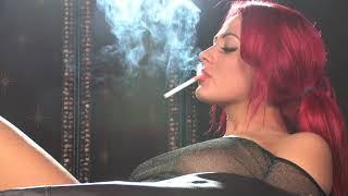 Sarah smoking hot