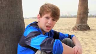 Mattyb - Lips Are Movin ft Haschak Sisters ( Chipmunk Version )
