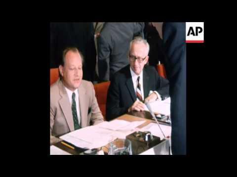 LIB 27-07-73 EEC DELEGATES MEET DELEGATES OF DEVELOPING NATIONS