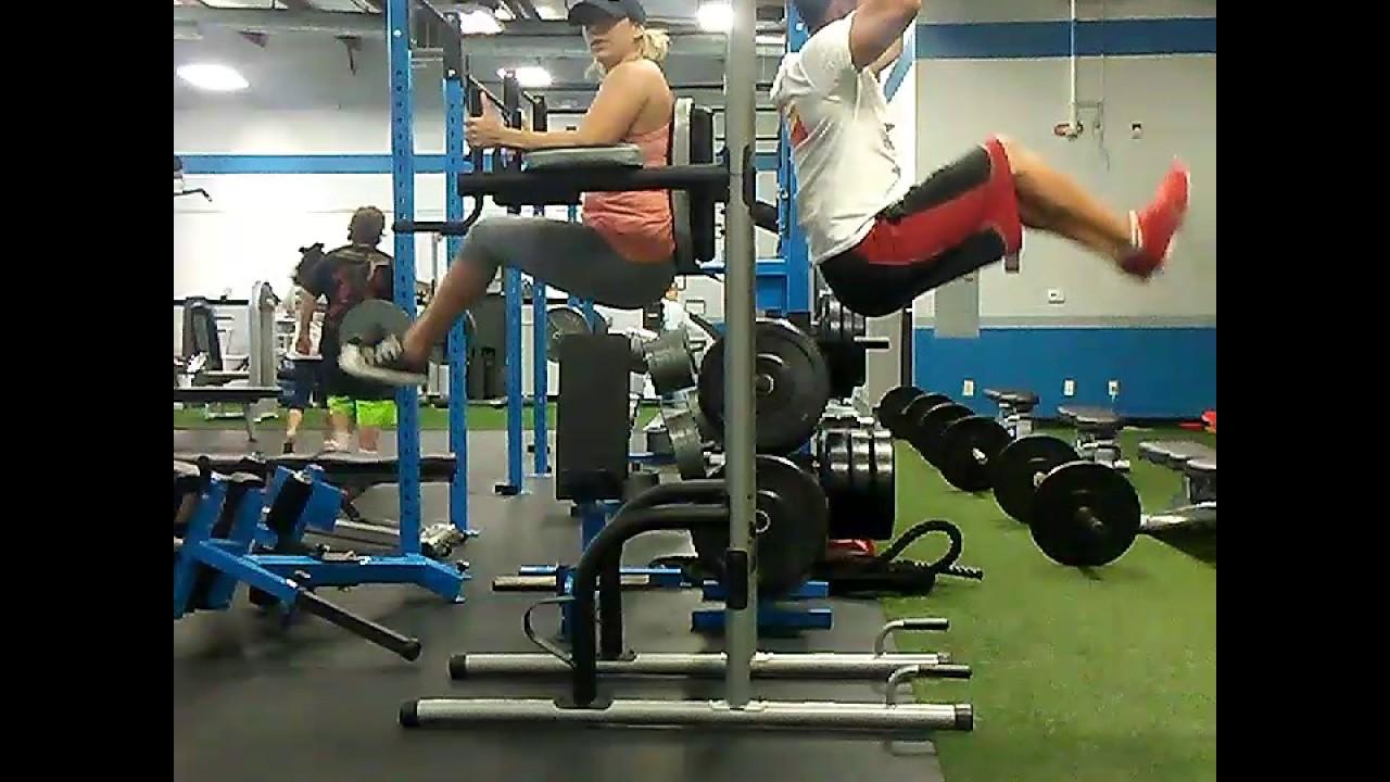 Captains chair leg raise muscles worked - Captain Chair Vs Hanging Leg Lifts