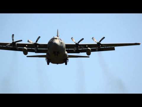 2015 Thunder of Niagara Airshow: C-130 Landing