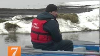МЧС(На реке Проня в Старожиловском районе Рязанской области начала действовать лодочная переправа. Об этом..., 2013-04-08T08:18:33.000Z)