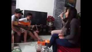 Em trong mắt tôi acoustic cover by Linh & Loan