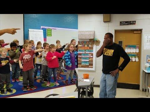 - Tissue Alert: Children Sign Happy Birthday Song to Deaf Custodian