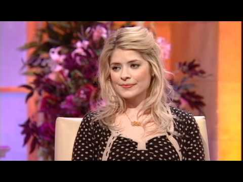 Holly Willoughby chats to Alan Titchmarsh after 'that dress' ! (2008)
