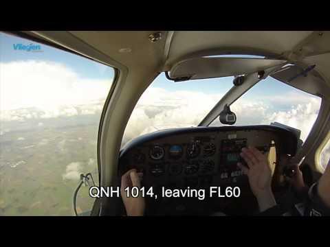 Vlieg mee van Antwerpen (EBAW) naar Lelystad (EHLE) Cockpit View, ATC subtitled IFR/VFR