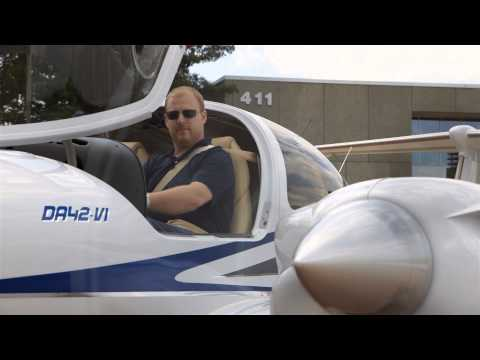 Twombly Flies the Diamond DA-42