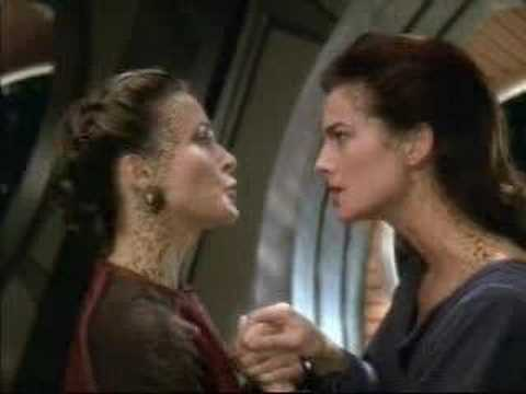 Deep Space Nine: Dax & Lenara kiss