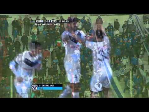 Vélez avanzó a octavos tras golear a Acasusso