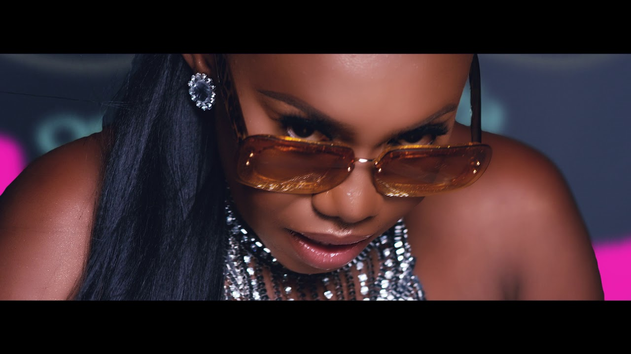 NINIOLA - SICKER (OFFICIAL VIDEO)