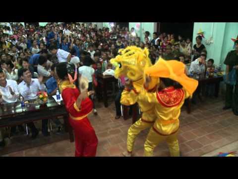 Múa Lân đêm hội trăng rằm tại UBND Xã Trường Sơn (Hội Sinh viên Bắc Giang Tại Hà Nội)