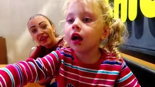 Melissa la California Chickenos   Meniu pentru Copii