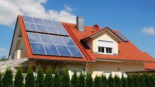 Как работают солнечные батареи. Как собирают солнечные батареи(Солнечная батарея — несколько объединённых фотоэлектрических преобразователей (фотоэлементов) — полупро..., 2016-04-28T17:02:56.000Z)