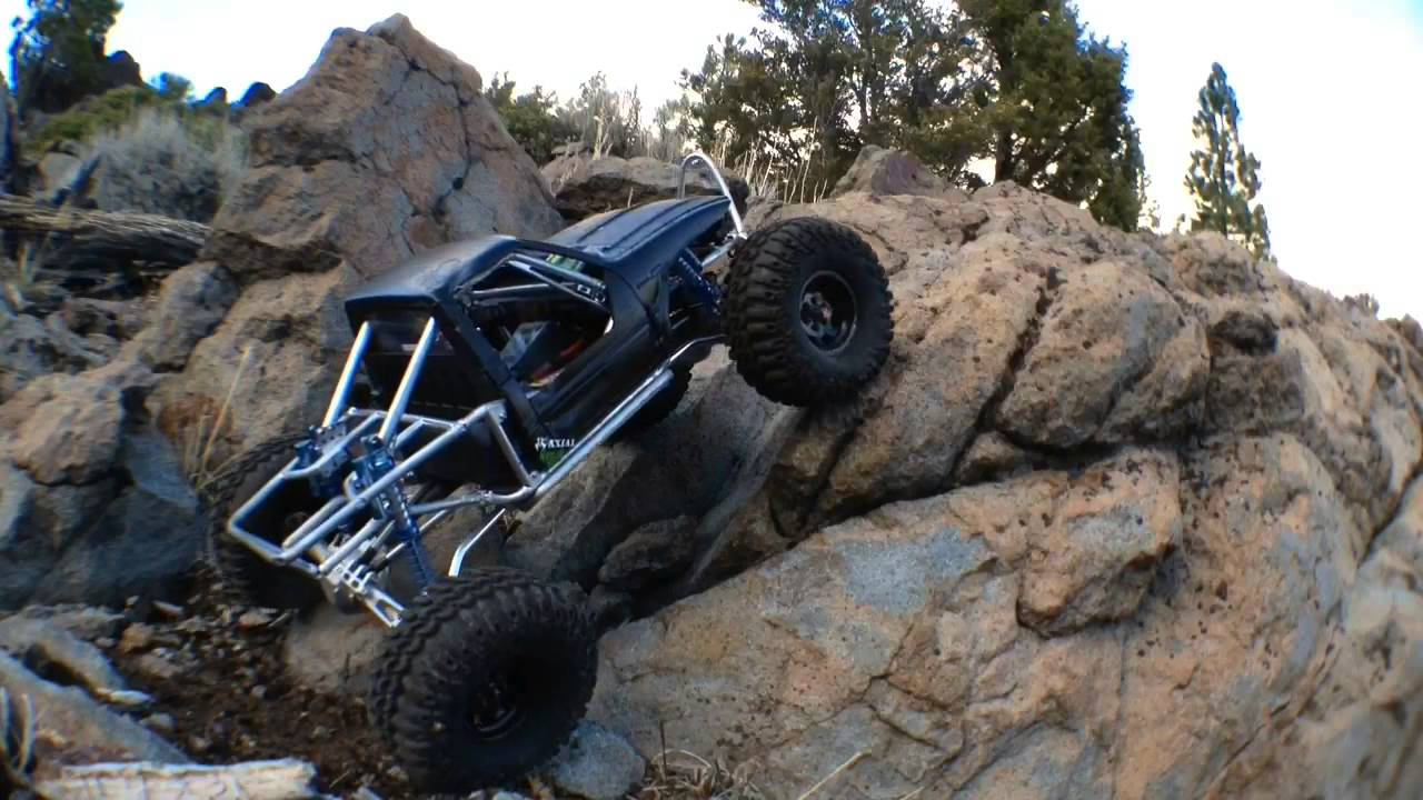 Axial Wraith Scale 2 2 Toyota Hilux Truggy Youtube