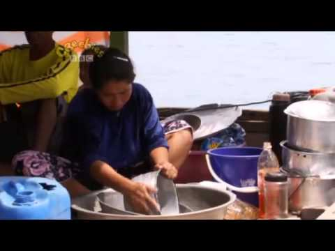 Little Human Planet   S01E08   Living on the Ocean Malaysia
