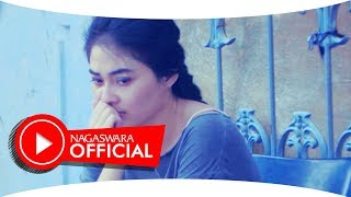 Video Nirwana - Jangan Tunggu Aku Pergi (Official Music Video NAGASWARA) #music download MP3, 3GP, MP4, WEBM, AVI, FLV Juli 2018