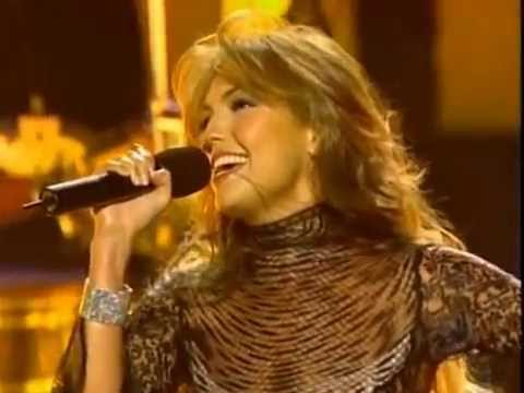Thalía - No Me Enseñaste [Live] / Latin Grammys 2002 (HD)
