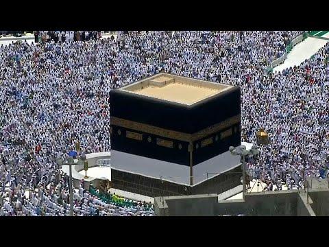 شاهد: حوالي مليوني حاج يؤدون صلاة الجمعة قبل البدء بمناسك الحج…  - نشر قبل 2 ساعة