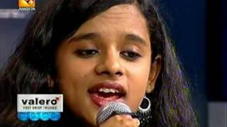 "Poornasree : ""Annarakanna vaa.."" performs in Amrita tv"
