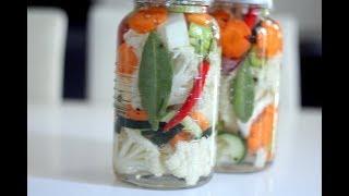 Les pickles , Condiments, légumes  marinés au vinaigre (conserve)