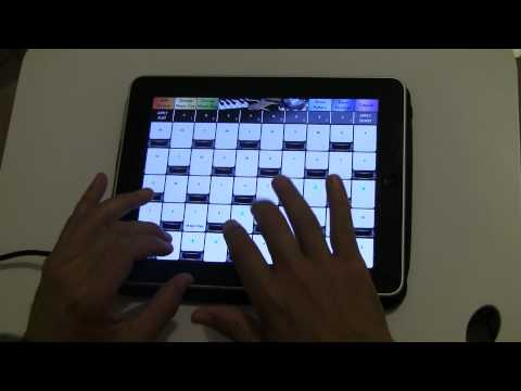 Piano playing on iPad with the Simple Music app - Level II