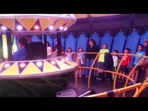 area-51-gravity-ride-at-the-2015-punahou-carnival