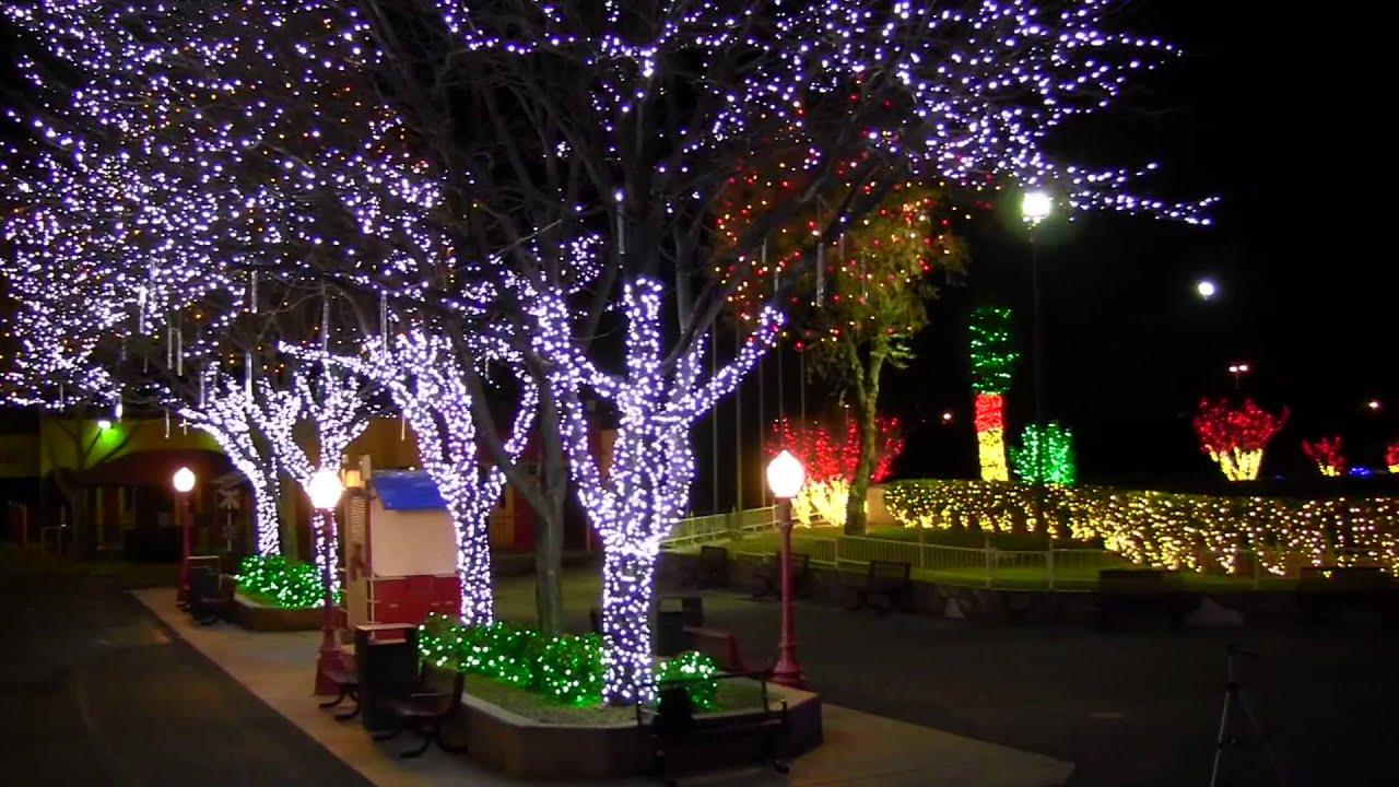 Cliff's Amusement Park Magical Christmas- Main Street - YouTube