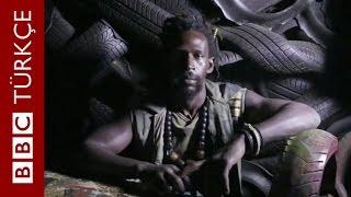 Lastikleri sanata dönüştüren Senegalli - BBC TÜRKÇE