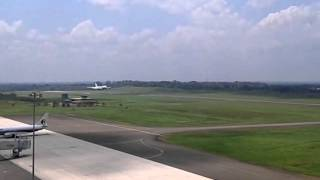 Royal Brunei B747-400 Low Fly Pass at Sandakan Airport