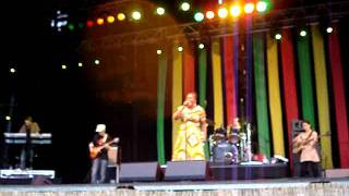 Etana- Rivers of babylon+Rastaman chant- backed by Dub Akom @ Reggae Geel 2011