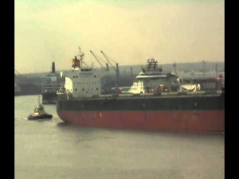 Bulk Carrier Lowlands Kamsar Leaving the River Tyne 7th April 2013